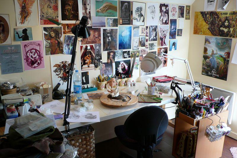 Virginie's desk 3
