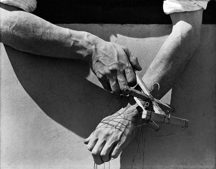 Hands of a Puppeteer by Tina Modotti
