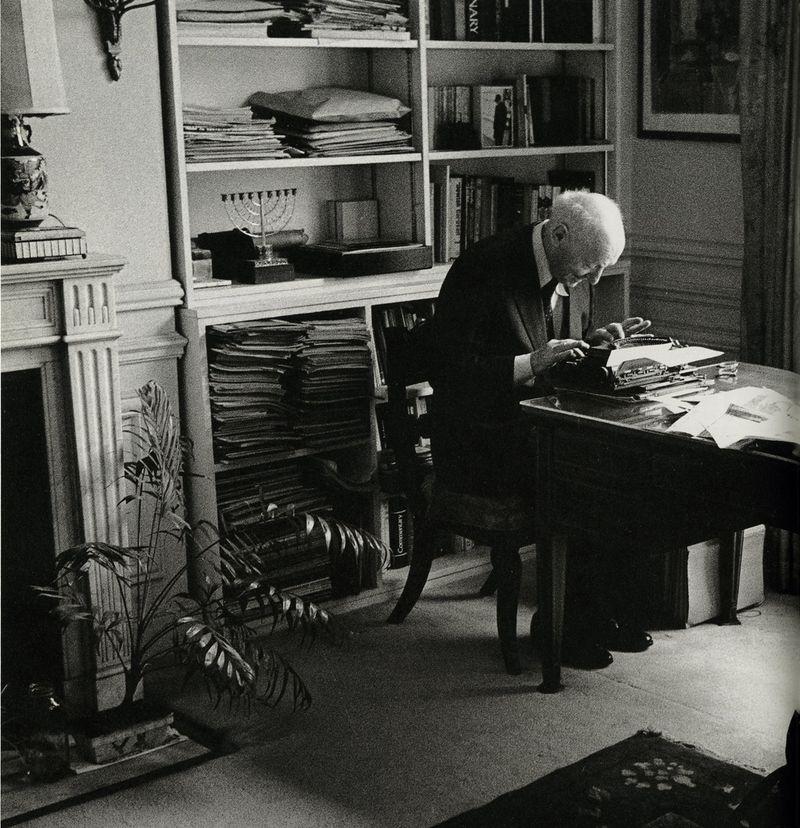 Isaac Bashevis Singer, photographed by Jill Krementz