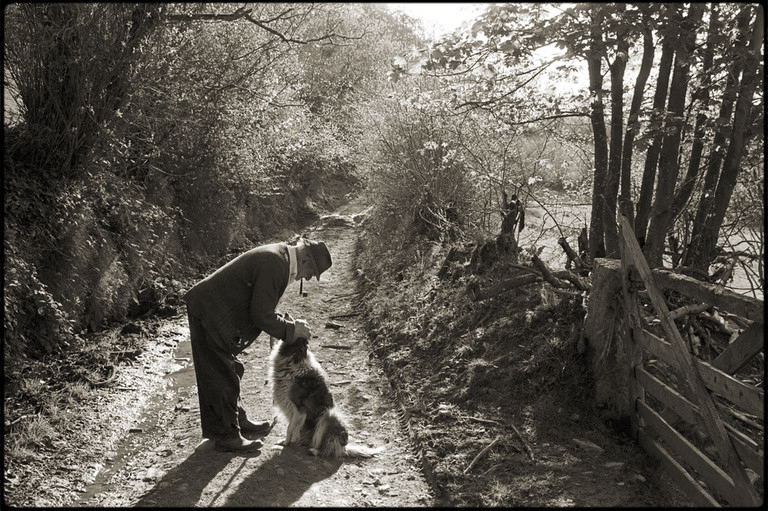 Archie Parkhouse and his dog Sally by James Ravilious