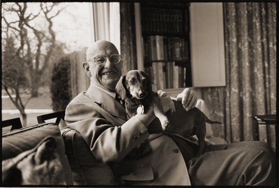 PG Wodehouse and his dog Ned (photograph by Jill Krementz)