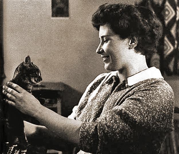 Doris Lessing and her cat