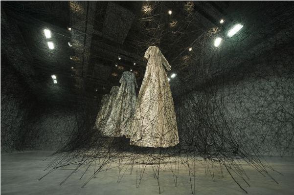 Chiharu Shiota installation