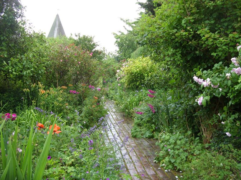 Garden path at Monks House
