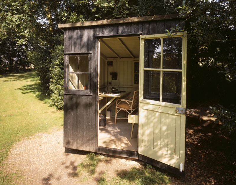 George Bernard Shaw's rotating writing hut in Hertfordshire