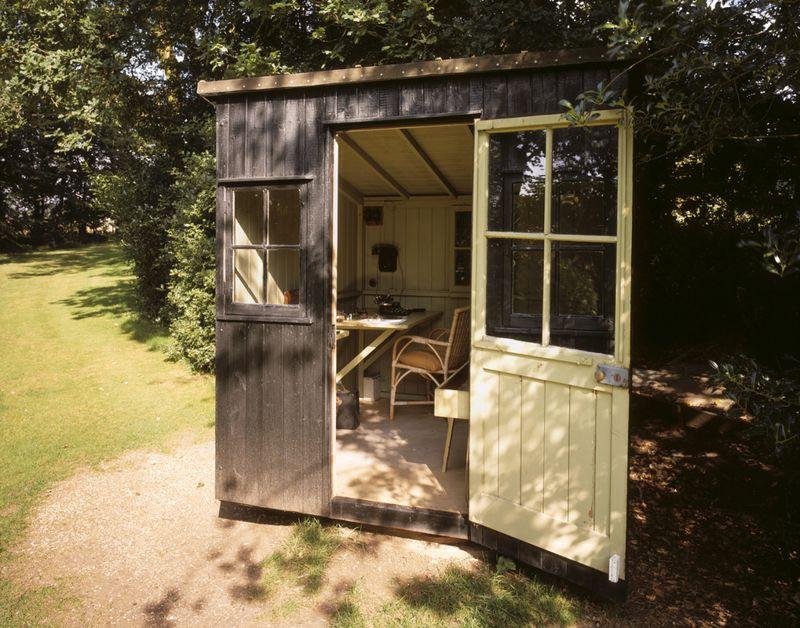 George Bernard Shaw's rotating writing hut in Hertfordshire